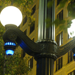 outdoor_light_pole_yale_west